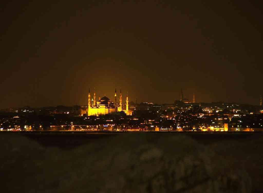 Sultanahmet at night