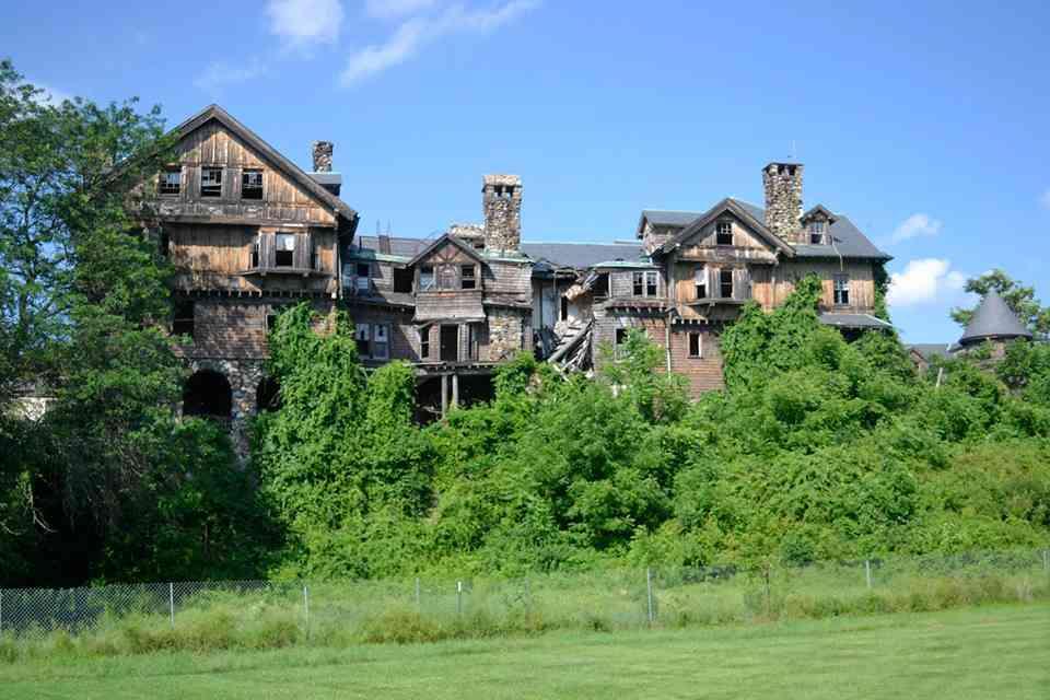 Abandoned house New York