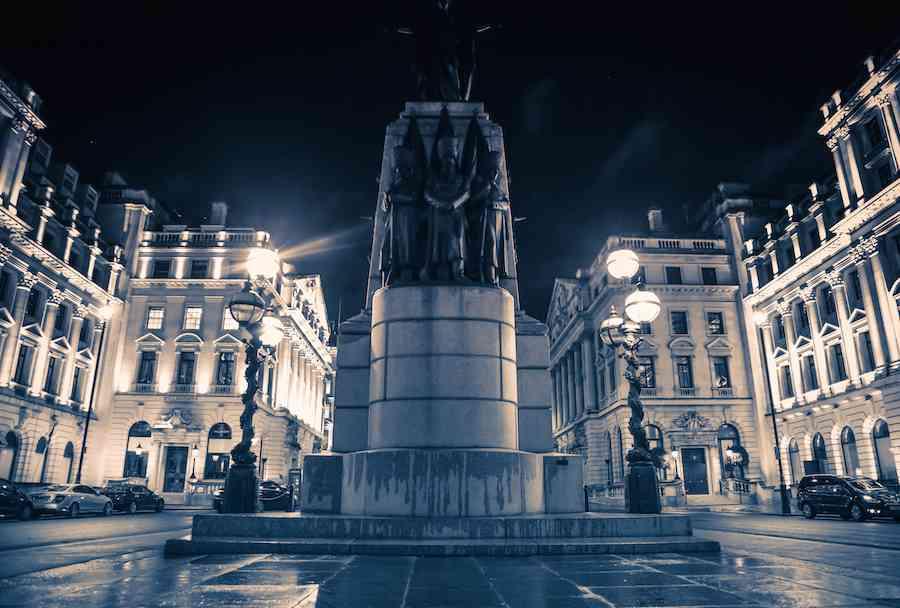 Crimean War Memorial - London at Night