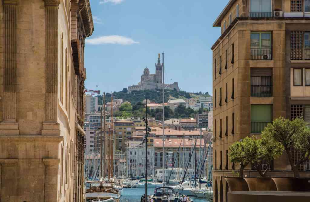 Hilltop Marseilles