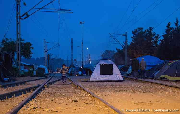 Night in Idomeni refugee camp
