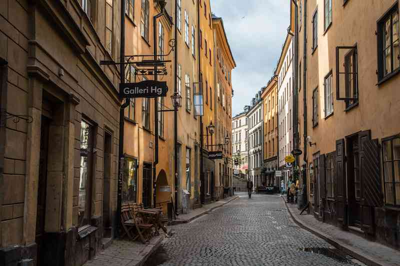 gamla-stan-street-2