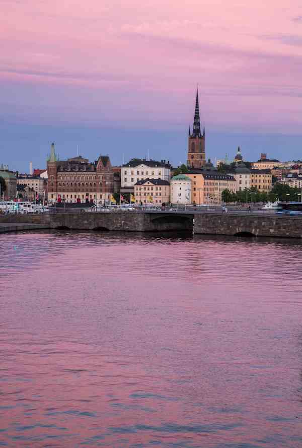 stockholm-sunset-reflection