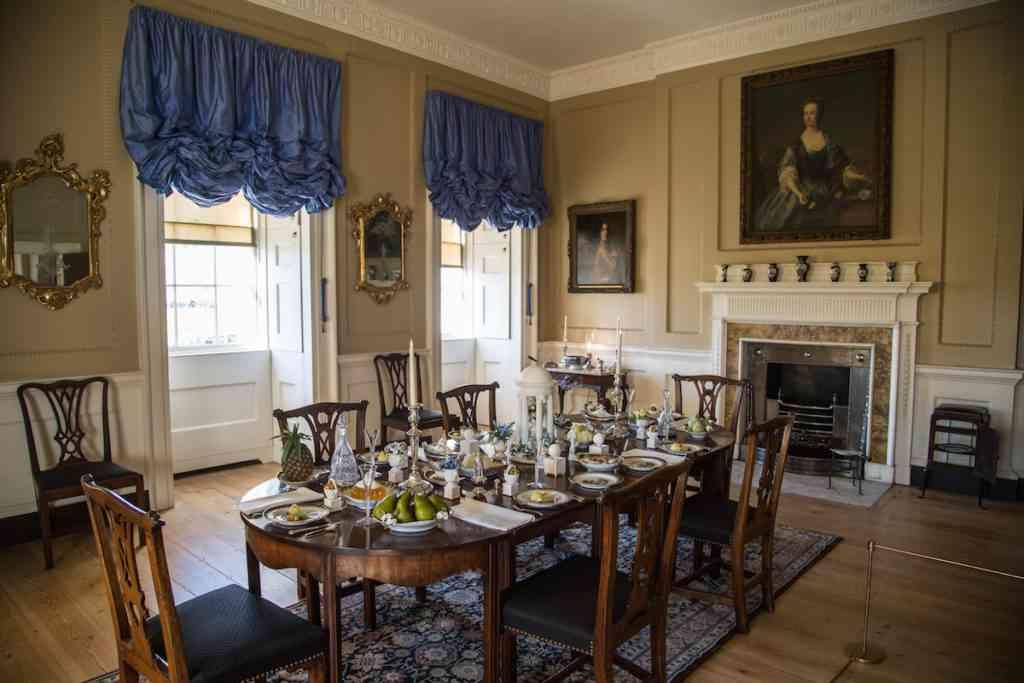 Royal Crescent Dining Room Bath