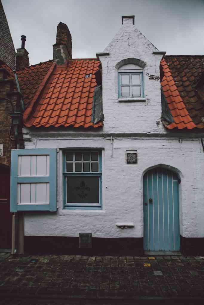 Bruges house