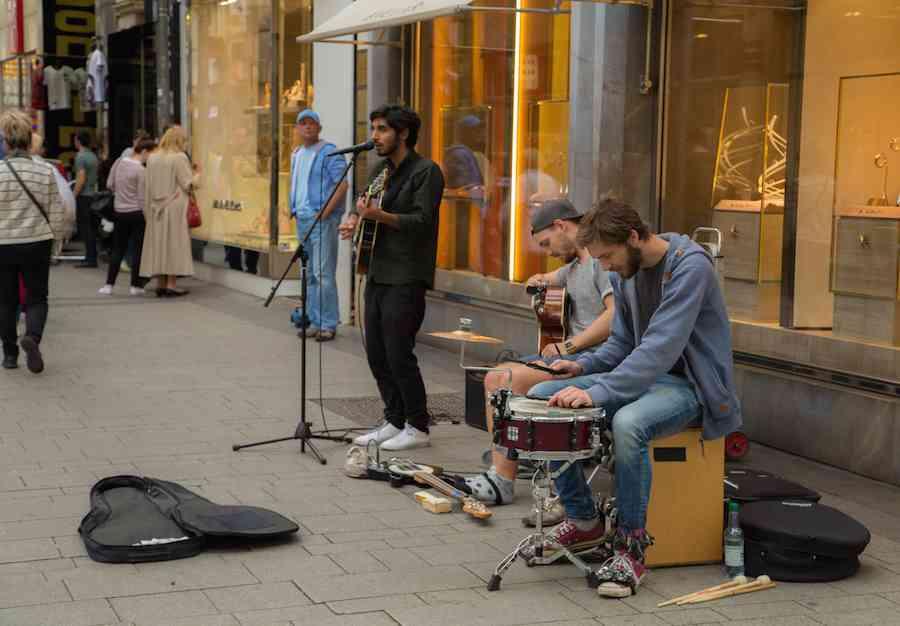 Cologne street singers