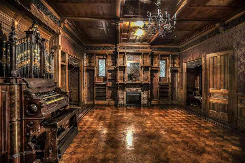 grand ballroom Winchester Mystery House