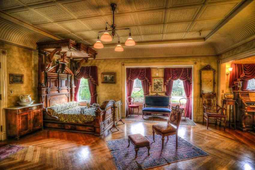 Sarah Winchester bedroom