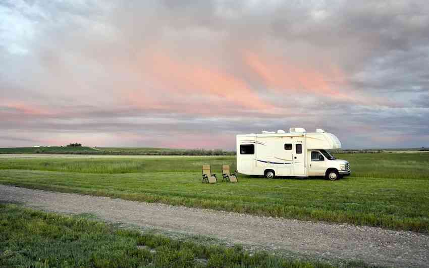 Top Tips for RV Trips on a Budget | Lose the Map Travel Blog