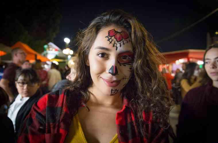 Dia de Los Muertos woman