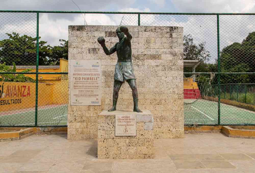 Statue of Kid Pambele